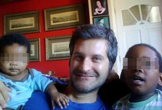 """Giona Tuccini e i due orfani adottati in Sudafrica: """"Primo babbo single ad adottare due bimbi"""""""