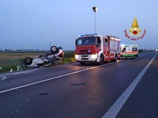 Padova, incidente all'alba tra un'auto e una moto sulla Romea: due morti