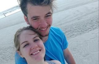 Tragico bagno durante luna di miele, 22enne trascinato via dalla corrente davanti alla moglie