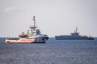 "Open Arms per ora resta a Lampedusa: ""Spagna lontana, Italia vigliacca"""