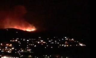 Incendio a Palermo, bruciano Monreale a Ciaculli nella notte: almeno 80 evaucati