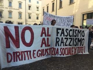 """Cagliari, minori migranti insultati: """"Via, negracci di m****"""""""