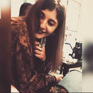 Ancona, finisce contro gli scogli dopo un tuffo: Sofia muore in ospedale, aveva 22 anni