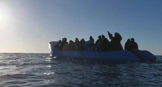 Migranti, naufraga barcone nel mar Egeo: almeno 7 morti, 5 sono bambini
