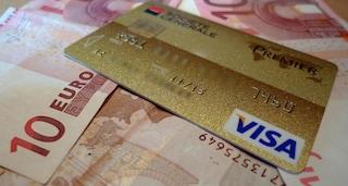 Manovra, il bonus befana non ci sarà: nessun maxi-sconto da 475 euro per chi paga con carte