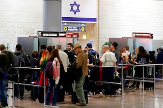 """Il caso Khalid, 18enne italiano respinto da Israele. Il console: """"Succede a 50 italiani ogni anno"""""""