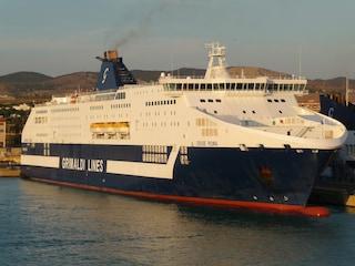 Lavorare in mare? Grimaldi Lines assume personale di bordo e non solo: ecco come candidarsi