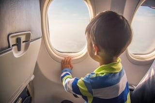 Viaggiare in aereo lontano dai bambini, con la compagnia Japan Airlines si può
