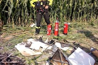 Ultraleggero si schianta nei campi: uomo muore carbonizzato, gravemente ferito il fratello