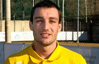 Dramma a Livorno: imbocca contromano la superstrada in moto, muore calciatore 21enne