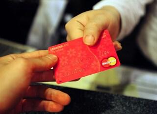 Cashback, rinvio di qualche giorno ma si parte a dicembre: premi e rimborsi per chi paga con carta