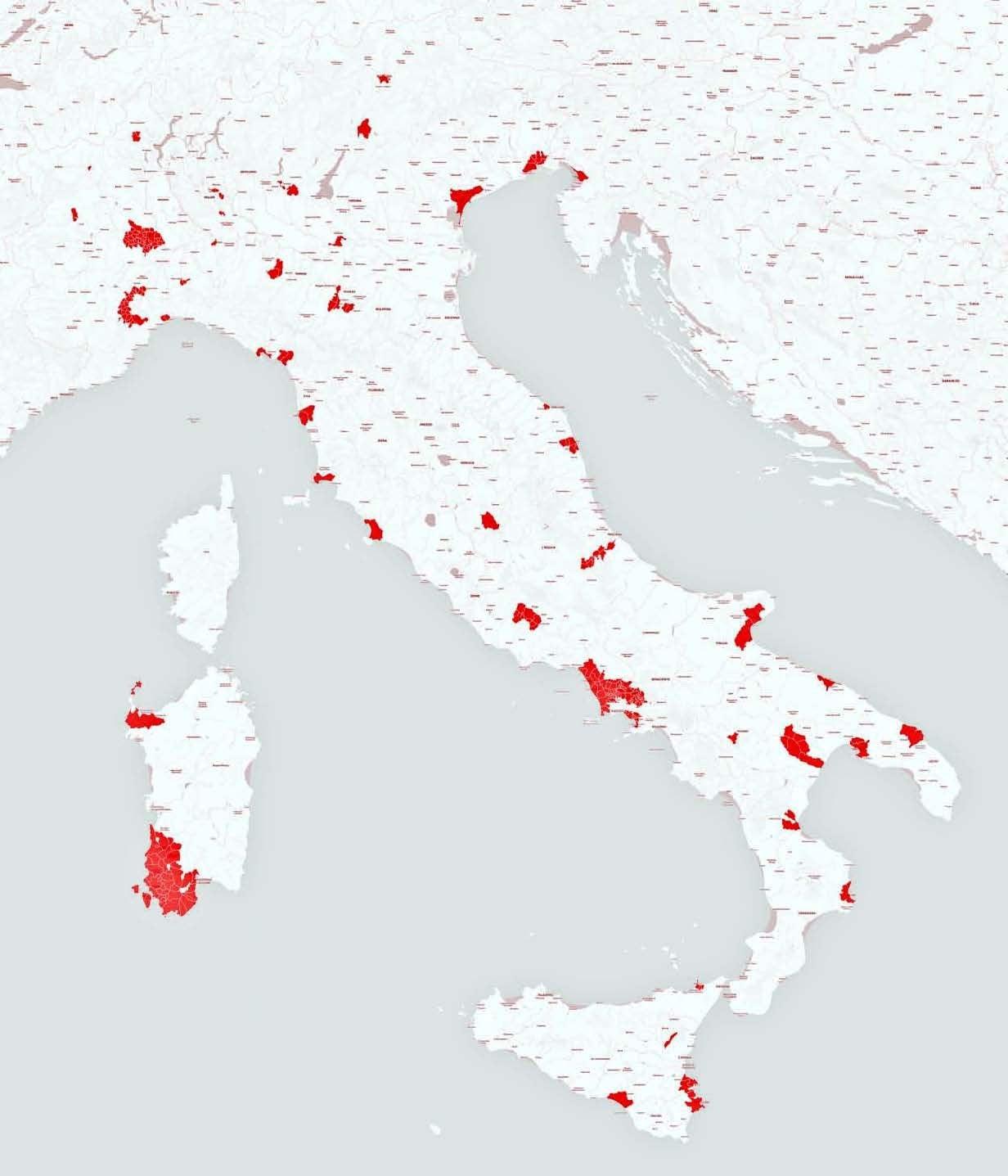 Le aree in rosso mostrano i territori dove è presente un eccesso di mortalità, tumori e malattie congenite (SENTIERI)