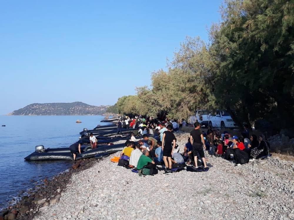 Sulle isole greche di Lesbo, Samos e Chios sono arrivati ad agosto circa 10mila profughi (Aegean Boat Report)