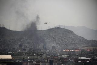 Kabul, autobomba nella zona internazionale: almeno 5 morti e 50 feriti