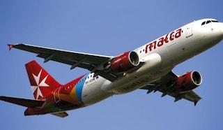 Volo Malta-Palermo arriva con 18 ore di ritardo, odissea per oltre cento passeggeri