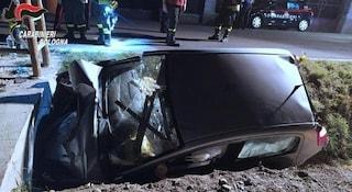 Incidente Bologna, auto finisce in un fossato: morta bimba di 4 anni, viaggiava con la mamma