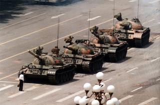 Morto Charlie Cole, il fotografo delle proteste di Piazza Tienanmen