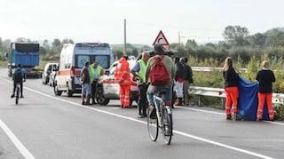 Empoli, migrante di 23 anni in bicicletta travolto e ucciso da un'auto pirata