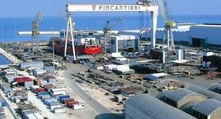 Paura alla Fincantieri di Porto Marghera, boato e fumo fanno scattare l'allarme