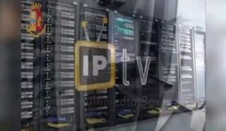 Blitz contro le tv pirata: in Italia coinvolti 5 milioni di utenti, multe fino a 25mila euro