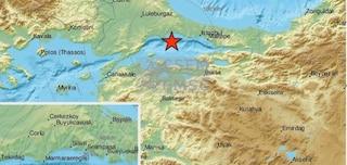 Turchia, due forti scosse di terremoto a Istanbul: gente in strada, cade minareto