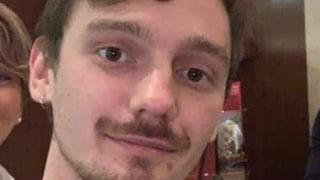 Incidente A12, Lorenzo travolto e ucciso da un tir: il 27enne stava andando a un matrimonio