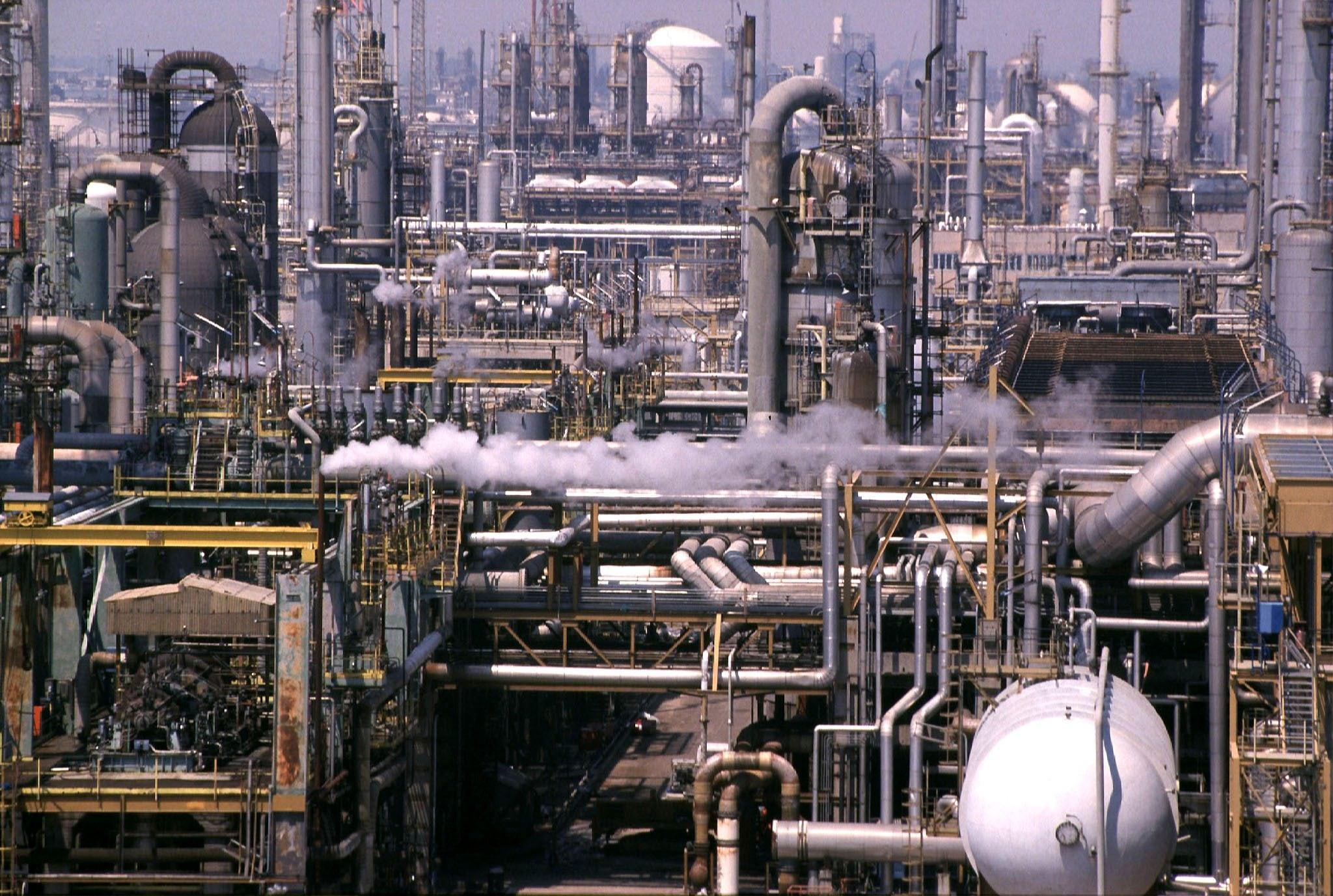 Il petrolchimico di Porto Marghera a due passi da Venezia. Per i lavori di bonifica sono necessari altri 250 milioni di euro