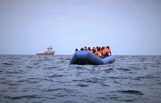 Migranti, 50 persone salvate dalla Ocean Viking al largo della Libia