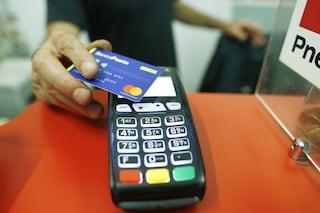 Arriva il bonus Pos: da luglio sconti per chi riceve pagamenti con carte e bancomat