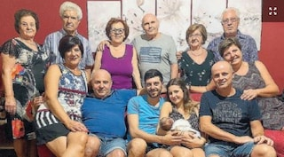 Messina: benvenuto Nicolò, il neonato da record con 13 nonni