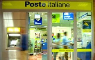 """Riapre l'ufficio postale in centro a L'Aquila 10 anni dopo il sisma: """"Simbolo di comunità"""""""