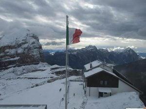 Montagne innevate in Veneto (Twitter).
