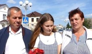 Scompare sul treno a soli 4 anni, Yulia ritrova la famiglia venti anni dopo