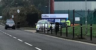 Regno Unito, scoperta choc in un container: trovati 39 cadaveri, fermato camionista