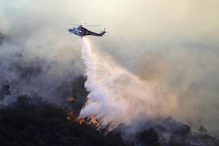 California, allarme rosso estremo per gli incendi. A Los Angeles evacuate 7mila case