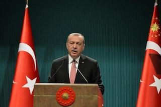 """L'accusa di Erdogan: """"I Paesi occidentali si schierano con i terroristi"""""""