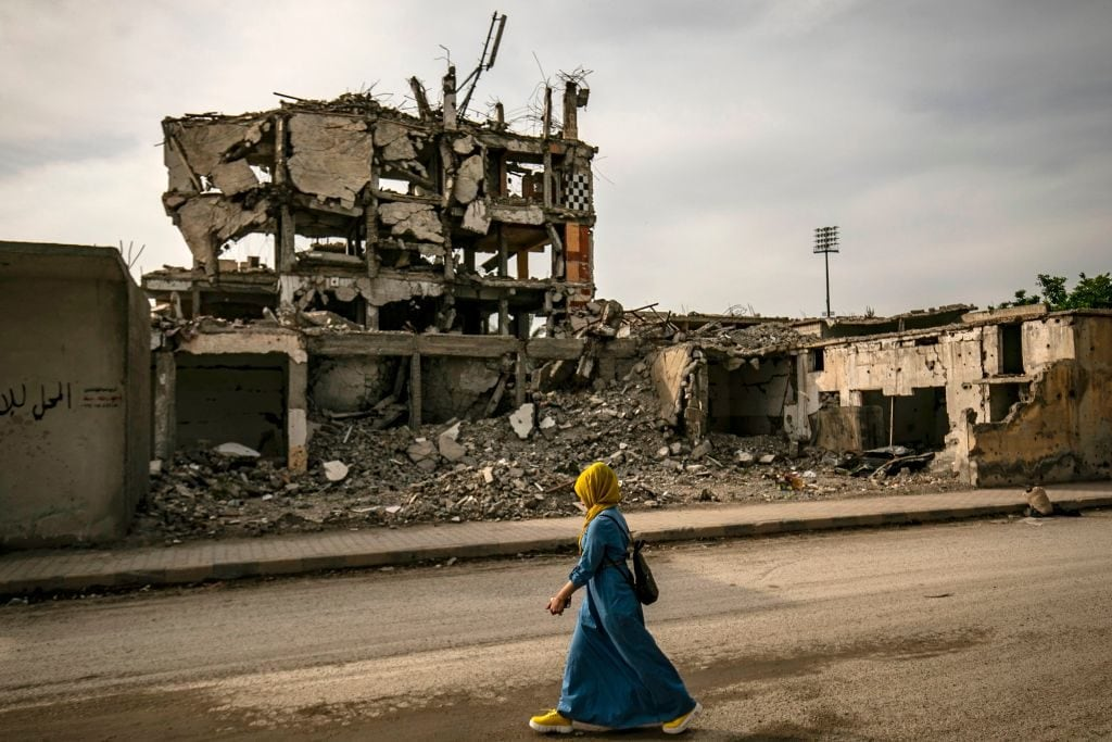 Raqqa, l'ex capitale dell'Isis in Siria, distrutta dai combattimenti per liberarla dagli estremisti islamici (Gettyimages)