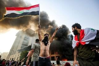 La vita è troppo cara e scoppia la rivolta, oltre 40 morti: l'Iraq di nuovo nel caos