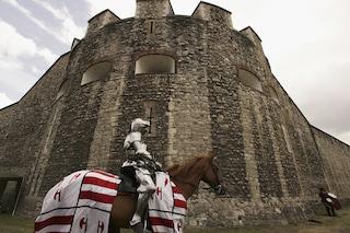 Londra, trovati due scheletri intatti nella Torre, simbolo della capitale britannica