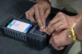 Furbetti del cartellino, addio a rilevazione impronte digitali per i dipendenti della Pa