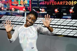Simone Biles diventa la ginnasta più decorata nella storia dei campionati mondiali