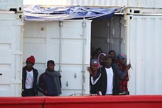 """Ocean Viking attende un porto e chiede una soluzione Ue. Salvini: """"Sindaci leghisti pronti a dire no"""""""