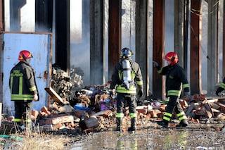 Rifiuti illeciti in capannoni abbandonati nel Nord Italia e in una cava in Calabria: 11 arresti