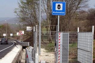 Codice della strada, De Micheli affossa la riforma e blocca le nuove regole su multe e autovelox