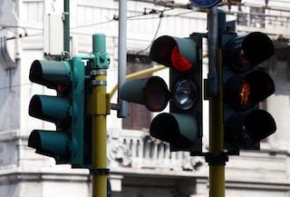 Genova, pedone accusata di omicidio stradale: motociclista morì mentre lei attraversava col rosso