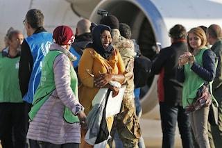 Sondaggi, quasi sette italiani su dieci sono a favore dell'accoglienza dei migranti