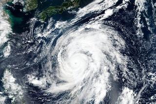 Giappone, arriva il tifone Hagibis: sarà il più potente dell'anno. Cosa sta succedendo