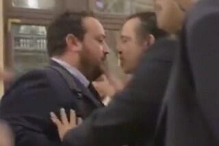 Rissa alla Camera dopo il taglio dei parlamentari: bagarre tra deputati tra urla e spintoni
