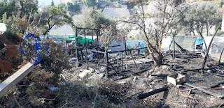 Enorme incendio nel campo profughi di Samos in Grecia: 5mila migranti evacuati