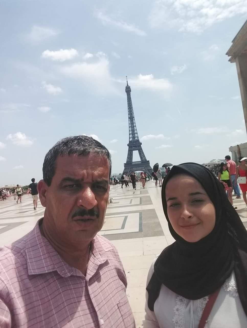 Naser e sua figlia Alia a Parigi